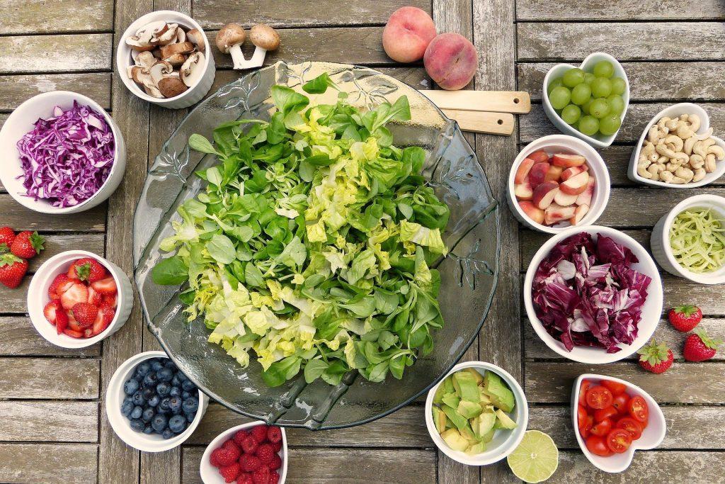 ראש השנה צבעוני וטבעוני שולחן חג טבעוני כמו שלא ראיתם